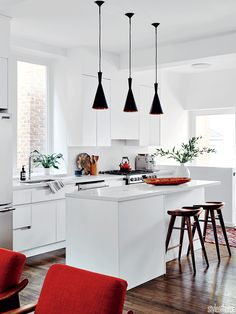 *Small kitchen island with seating