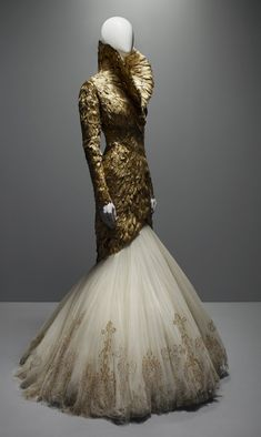 Alexander McQueen: Savage Beauty (2011)