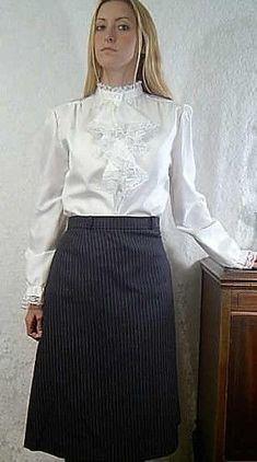 Sexy Blouse, Blouse And Skirt, Dress Skirt, Frill Blouse, Satin Skirt, Satin Dresses, Pleated Skirt, Satin Blouses, White Blouses