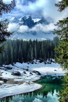 Dolomiti Lago di Carezza, disgelo