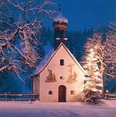 ♥ 'Oh Christmas tree, oh Christmas tree' ... even in its humblest attire, aglow beside a tiny chapel in Germany's Karwendel mountains, a Christmas tree is a beautiful and wondrous sight ...
