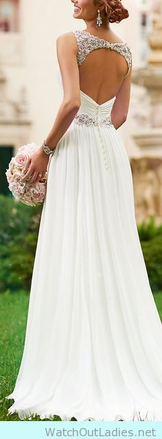 Pretty open back with lace chiffon wedding dress
