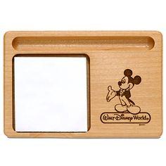 US$ 36  - valor médio, sem frete ou impostos (sujeito à alteração sem qualquer aviso).   PERSONALIZÁVEL Walt Disney World Mickey Mouse Memo Holder by Arribas - Personalizable