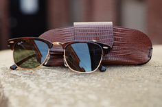 The Ray-Ban Clubmaster Mens Sunglasses in Turtle is becoming more popular now than when they were first created as eye glasses in the 1950s and 1960s. This vintage look achieves differentiation for Ray-Ban by bringing back something that was once popular. Its position strategy is hitting the target market of males, mostly in their 20s and 30s and is a highly desirable purchase.