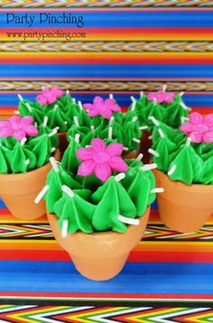 Cinco de Mayo - More cute cacti. These are actually store bought brownie bites. - Cinco de Mayo - More cute cacti. These are actually store bought brownie bites. Best Christmas Recipes, Holiday Recipes, Cactus Cupcakes, Fiestas Party, Brownie Bites, Fondant Flowers, Mexican Party, Partys, Cupcake Cakes