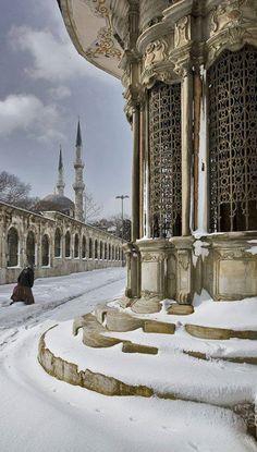 ღღ Istanbul Under Snow, Turkey