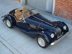 Morgan Plus 8 Powered by ROVER V8. I'd love to drive this.