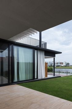 Gallery of Material Focus: Enseada House by Arquitetura Nacional - 2