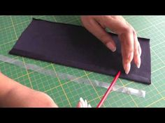 Tutorial de como hacer fruncido no elástico a máquina. /// Sewing with Clear Elastic.  A FREE article, guide and online fashion sewing video tutorial, only at http://www.fashionsewingblog.com