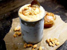 Healthy peanut & banana ice-cream with dulce de leche and seasalt!