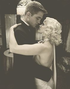 Robert Pattinson and Reese Witherspoon in Water For Elephants. He was so handsome as the shy, naive Jacob Jancowski. Robert Pattinson, Estilo Gatsby, Cirque Vintage, Water For Elephants, Circus Wedding, Movie Couples, Elephant Love, Film Serie, Reese Witherspoon