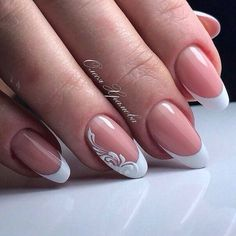 False nails have the advantage of offering a manicure worthy of the most advanced backstage and to hold longer than a simple nail polish. The problem is how to remove them without damaging your nails. French Nails, Shellac French Manicure, French Pedicure, Cute Nails, Pretty Nails, My Nails, Wedding Nails Design, Wedding Manicure, Bridal Nail Art