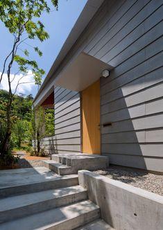 Garden Entrance, House Entrance, Exterior Siding, Exterior House Colors, Facade Design, House Design, Interior Cladding, Sweden House, Wooden Facade
