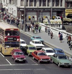 Classic cars on O'Connell Bridge Dublin and a classic type bus Old Pictures, Old Photos, Dublin City, History Photos, Old And New, Ireland, Classic Cars, Street View, Coaches