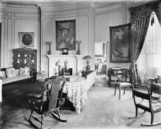 1910 House | The Yellow Oval Room as Taft sitting room, circa 1909, looking east ... White House Interior, Royal Furniture, Victorian Homes, Presidents Usa, American Presidents, Mansions, William Howard, Interior Design, Yellow