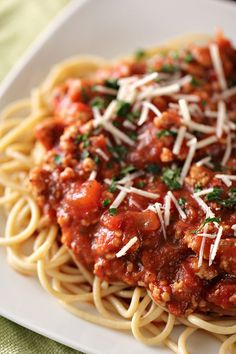 Pasta Recipes Ground Turkey is One Of the Beloved Of Many Persons Around the World. Besides Easy to Create and Great Taste, This Pasta Recipes Ground Turkey Also Healthy Indeed. Spagetti Recipe, Homemade Spaghetti Sauce, Healthy Spaghetti Sauce, Spaghetti Salad, Homemade Sauce, Meat Sauce Recipes, Pasta Recipes, Recipe Pasta, Sauces