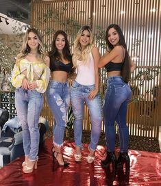 Best Weight Loss Tips in Just 14 Days If You want to loss your weight then make a look in myarticle. Sexy Jeans, Skinny Jeans, Latino Girls, Fashion Essay, Sexy Women, Girl Outfits, Cute Outfits, Hot Brunette, Casual Looks
