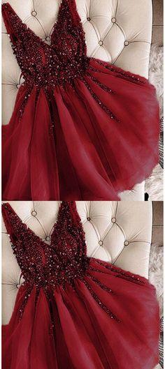 542daa1cef3 Burgund Kurze Ballkleider Mädchen Junior Graduation Gown von MeetBeauty