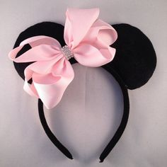 Hey, I found this really awesome Etsy listing at https://www.etsy.com/listing/225131894/simple-elegant-black-felt-minnie-mouse