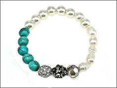Bracelet  Stretch  Turquoise beads  White Pearls by VeeRamzJewelry