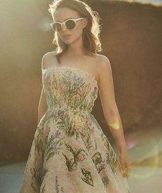 Beautiful Hollywood Actress Natalie Portman for Dior