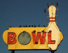 Bowl vintage neon sign