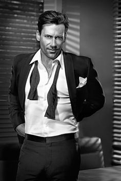 Jon Hamm, a fantastic, totally gorgeous, funny actor! Thank goodness he isn't anything like his wild and troubled Don Draper character! Fashion Moda, Mens Fashion, Beautiful Men, Beautiful People, John Hamm, Don Draper, Gq Men, Raining Men, Fashion Night