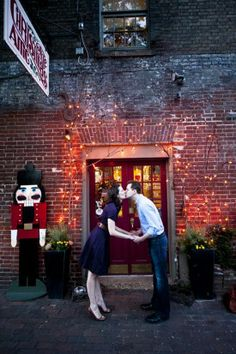 christmas engagement session 275x413 Tracy + Jasons Old Town Alexandria Engagement Session