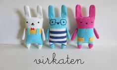 Virkaten Crochet Animals, Christmas Ornaments, Holiday Decor, Blog, Home Decor, Amigurumi, Xmas Ornaments, Decoration Home, Christmas Jewelry