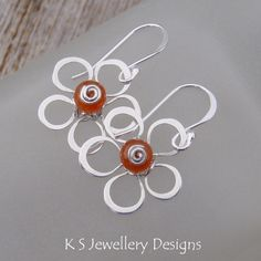 Wire Flowers (4 variations)   JewelryLessons.com