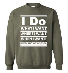 Fishing Dad Father Gift Dad Raised My Fishing Buddy - Gildan Crewneck Sweatshirt Funny T Shirt Sayings, Sarcastic Shirts, Funny Tee Shirts, T Shirts With Sayings, Cute Shirts, Bff Shirts, Funny Sweaters, Sweater Shirt, Crew Neck Sweatshirt