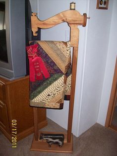 Free Quilt Rack Plans - How To Build Blanket Racks | Share Your ... : standing quilt rack - Adamdwight.com