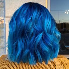 The hair trends you want to try before the end of the year .- Die Haartrends, die Sie vor Jahresende ausprobieren möchten The hair trends you want to try before the end of the year out of year - Hair Dye Colors, Hair Color Blue, Cool Hair Color, Green Hair, Bright Blue Hair, Blue Hair Dyes, Bright Coloured Hair, Crazy Colour Hair Dye, Blue And Pink Hair