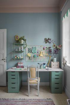 Home of Tellandska Harvest Kitchen, Home Greenhouse, Workspace Inspiration, Kids Decor, Home Decor, Teen Bedroom, Kidsroom, Kitchen Colors, My New Room