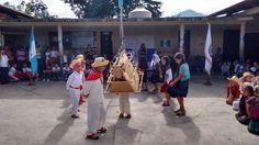 Celebración del día de la bandera y baile del torito de fuego
