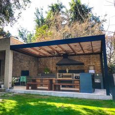 Are we running out another month and you still don't have your ready? Diy Outdoor Kitchen, Outdoor Rooms, Backyard Patio Designs, Backyard Landscaping, Rooftop Terrace Design, Casas Containers, Outdoor Pergola, Home And Garden, Barbacoa