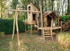 Tuinontwerp ontworpen door Iverna Zaalberg www.nl www. Outdoor Fun For Kids, Backyard For Kids, Natural Playground, Backyard Playground, Cubby Houses, Play Houses, Treehouse Builders, Kids Play Spaces, Wendy House