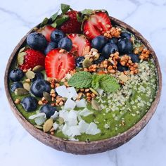"6,914 Likes, 64 Comments - CHERIE TU (@thrivingonplants) on Instagram: ""Green smoothie bowls  Used a huuuge handful of baby spinach & added in a spoon of @tropeaka…"""