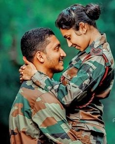 Military Couples, Military Life, Military Deployment, Army Couple Pictures, Army Photography, Indian Army Quotes, Indian Army Special Forces, Indian Army Wallpapers, Army Pics