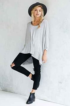 Truly Madly Deeply Oversized Tunic Top - Urban Outfitters...have it in brown..want white too!!!!   XS/S