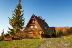 Bacówka na Rycerzowej, szczyt Rycerzowa Wielka (1226 m n.p.m.)położony w Grupie Wielkiej Raczy w Beskidzie Żywieckim na granicy ze Słowacją