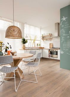 Spacious kitchen #lamp
