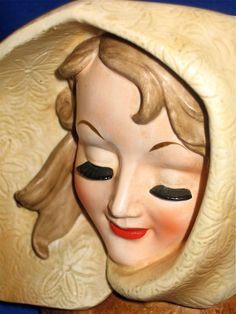 Vintage LADY HEAD VASE w/Cape