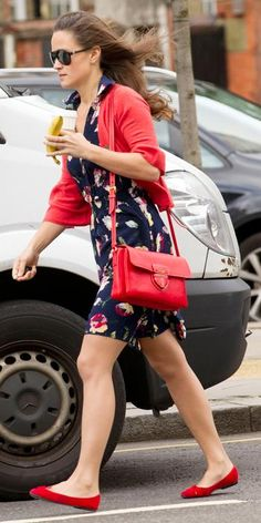 Pippa Middleton returned to her favorite accessories, a Prada satchel and London Sole ballerina flats, to wear with her floral dress and red cardigan for a Starbucks run in London.