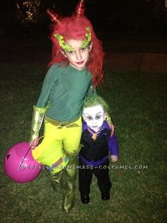Coolest Brother/Sister Poison Ivy and Joker DIY Costumes Sister Halloween Costumes, Twin Halloween, Superhero Halloween, Halloween Wishes, Halloween Costume Contest, Halloween 2017, Happy Halloween, Halloween Party, Halloween Stuff