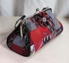 Neck Tie Purse...LOooooooveee this.  Colors and all. Absolutely Perfect! A+++
