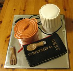Two Cakes For A Chef A chef hat and a little casserole. This chef like computers so I added two USB (a wooden fork and a wooden spoon). Chef Cake, Cupcake Cakes, Cupcakes, Chef Party, Party Themes, Party Ideas, Order Cake, Little Chef, Baking Party