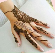 Mehndi designs have been used to brighten the brides feet for a long time. Check out these amazing foot mehndi designs for more! Henna Hand Designs, Mehndi Designs Finger, Mehndi Designs For Girls, Modern Mehndi Designs, Mehndi Design Pictures, Mehndi Designs For Fingers, Beautiful Henna Designs, Latest Mehndi Designs, Henna Tattoo Designs