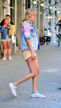 Taylor Swift Web Photo Gallery: Click image to close this window Taylor Swift Legs, Taylor Swift Outfits, All About Taylor Swift, Taylor Alison Swift, Cut Her Hair, Women In Music, Celebs, Celebrities, Celebrity Pictures