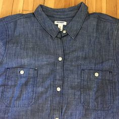Classic 100% cotton jeans shirt, like new! Classic shirt in size large. Excellent condition. Old Navy Tops Button Down Shirts